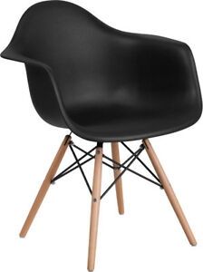 Black Plastic Chair With Wood Base Restaurant Furniture Banquet Accent