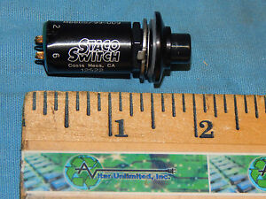 New Staco M8805 99 Mil spec Splashproof Momentary Action Switch 30260 18 a18p