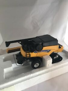 Ford New Holland Nh Cr9090 1 32 Scale Die Cast Combine Toy