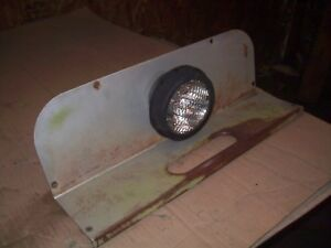 White 2 70 2 85 2 105 Farm Tractor Fender Insert With Light Very Nice