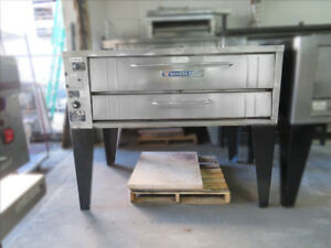 Bakers Pride 451 Single Deck Convection Pizza Oven W Stones 54 x34 Nat Gas