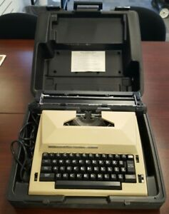 Vintage Electric Typewriter Sears The Scholar With Correction Hard Carry Case