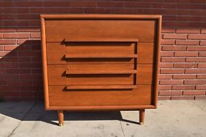 Vintage Mid Century Chest Of Drawers Dresser By Furniture Guild Of California