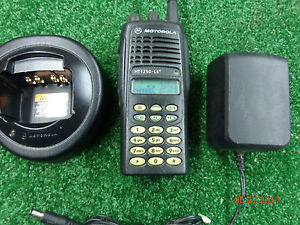 Motorola Ht1250 Ls Ltr Uhf Radio W charger ant R5 04 Fw 6 02 13 Aah25sdh9dp6an