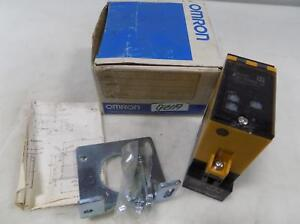 Omron Photoelectric Switch E3b2 d2m4d us