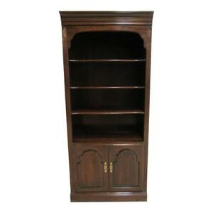 Ethan Allan Georgian Court Cherry Chippendale Bookcase Shelf Display Cabinet A