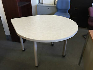 Model Teardrop 402r Mobile Cafeteria Table By National Office