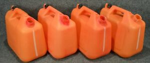 Wedco Essence 2 Gallon Plastic Gas Cans w220 lot Of 4 Missing Nozzles a