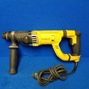 Dewalt D25263 8 5 Amp 1 1 8 3 Mode Sds D handle Rotary Hammer Drill ppp006380