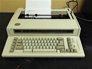 Ibm Personal Wheelwriter Electric Typewriter Type 6781 Works Good Sr380