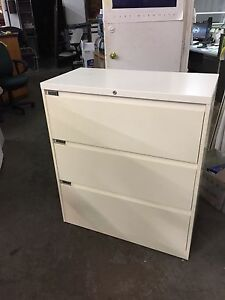 3dr 36 w X 18 d X 41 h Lateral File Cabinet By Steelcase 900 Series W lock