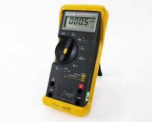 Fluke 76 True Rms Multimeter Volts Hz Mv Ohms Capacitance Amps Diode