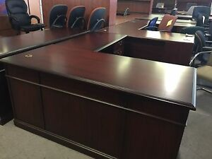 Executive L shape Traditional Style Desk By Kimball Office Furniture In Mahogany
