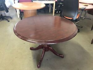 42 Round Traditional Style Conference Table In Mahogany Finish Pick Up