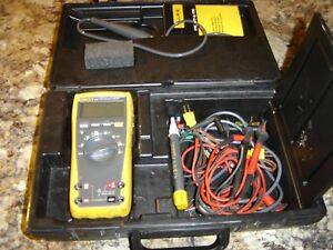 Fluke 179 True Rms Multimeter With Probes And Thermometer