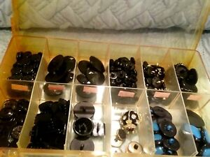 Large Amazing Lot Of Old Antique Buttons Beautiful Buttons Boxes Are Incl