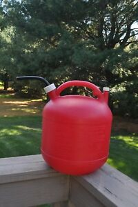 Eagle 5 Gallon Round Plastic Gas Can Vented Flexible Spout With Cap