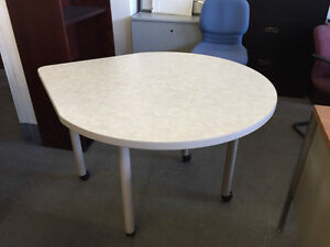 Mobile Cafeteria Table By National Office Model Teardrop 402r