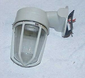 Crouse Hinds Dht Explosion Proof Light Fixture Industrial Lamp 120v Wall Mount