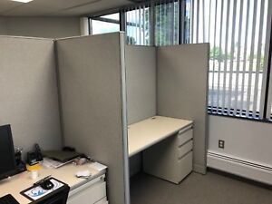 Lot Of 4 5 X 2 6 X 67 h Cubicles Partitions By Haworth Office Furniture