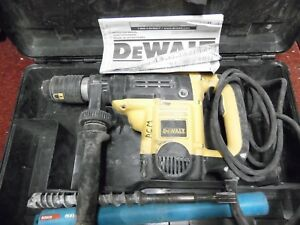 Dewalt D25553 1 9 16 Corded Electric Spline Rotary Hammer Drill Kit With Bits