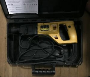 Dewalt Dw567 Corded 1 inch Sds Rotary Hammer Drill With Case Works Great