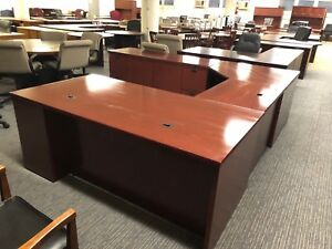 Oversized U shape Desk By Knoll Office Furniture In Mahogany Finish Wood Veneer