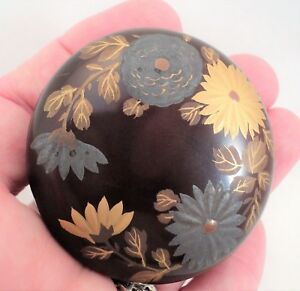 Antique Japanese Kogo Incense Box Small Lacquer Gold Silver Chrysanthemums 2