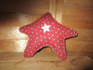 Primitive Americana Quilted Star Red With Stars 25