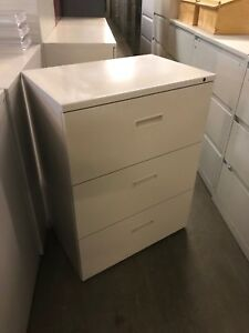 3 Drawer Lateral Size File Cabinet By Herman Miller W lock key 30 w