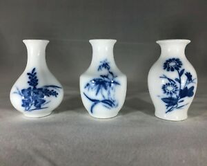 Miniature Chinese Ceramic Vase Set Three Small Kwangdong Bud Vases In Blue And