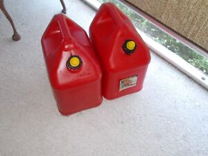 Lot Of 2 Blitz 5 Gallon Self Venting Plastic Gas Can Jerry Jug Gasoline Fuel