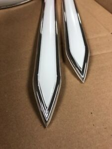 Vintage Type 1 1 4 1 25 White Wl Chrome Body Trim Side Molding Pointed Ends