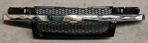 Factory Oem Black Grille Bow Tie Logo Fits Gm Chevy Colorado Take Off Part