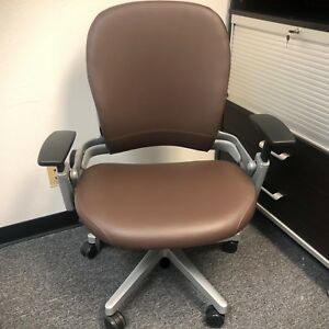 Steelcase Leap Plus Adjustable Office Desk Chair Brown Leather 500lbs Open Box
