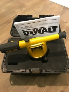 Dewalt Dw090 Builders Level With Case no Tripod