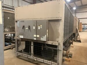 Chiller York 104ton Air cooled
