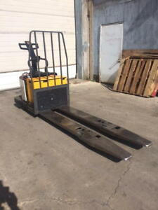 Crown Pe3540 60 Rider Double Electric Pallet Jack Truck 6000 Capacity 24v