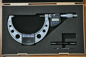 Mitutoyo Digital Micrometer 4 5 Inch Model 293 350 10 Ip65 Coolant Proof