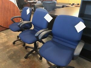 Manager s Swivel Chair W Casters By Steelcase Rally In Blue Fabric