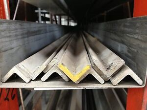 Alloy 304 Stainless Steel Angle 4 X 4 X 500 X 48