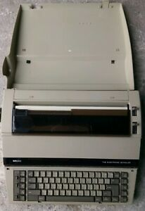 Sears Roebuck And Co Electric Typewriter Sr2000
