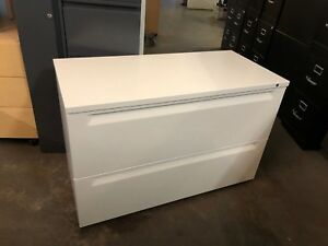 Heavy Duty 2 Drawer Lateral Size File Cabinet By Herman Miller W lock