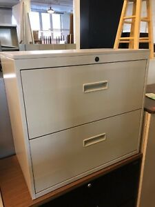 2 Drawer Lateral Size File Cabinet By Herman Miller W lock key 30 w In Putty