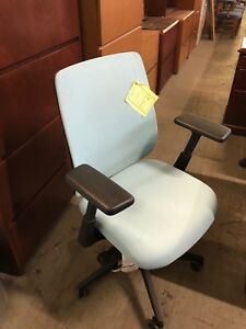 Mid Back Swivel Chair W Mesh Back By Haworth Lively Model 115 5110