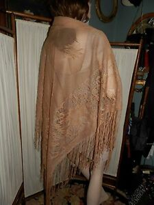 Lovely Antique Victorian Fringed Hand Made Lotus Flower Beige Piano Shawl 90x120