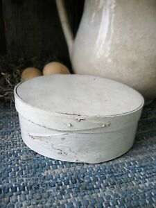 Antique Oval Shaker Pantry Box Fingerlap Joints Old White Paint Free Shipping