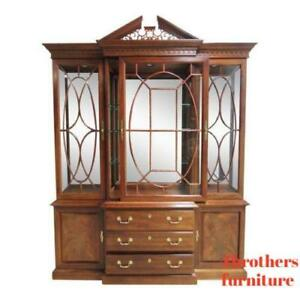 Thomasville Flame Mahogany Hutch China Cabinet Breakfront