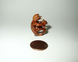 Antique Miniature Chinese Miniature Peach Pit Monkey Carving