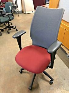 Ergonomic Chair W Mesh Back By Haworth Improv Fully Adjustable 2017